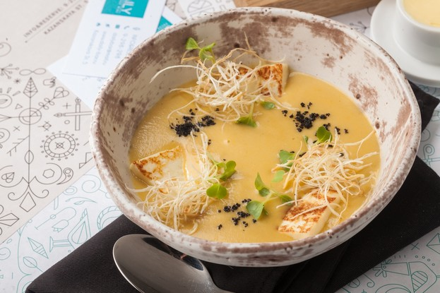 Бар «Daily», Санкт-Петербург: Крем суп из фенхеля на курином бульоне с адыгейским сыром