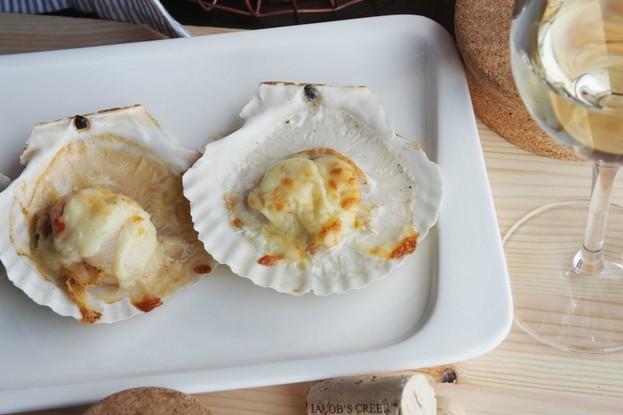 Ресторан «Ель», Санкт-Петербург: Запеченый морской гребешок на створке