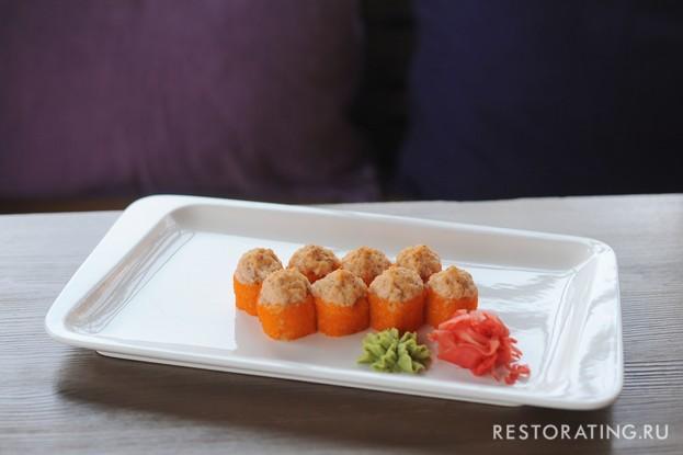 Ресторан «Vsёхорошо!», Санкт-Петербург: Запеченый ролл с лососем