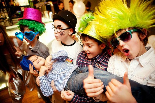 Чечил: Вечеринка для детей