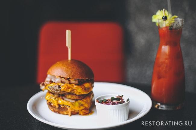 Burger&Crab: Футбол, бургеры и камчатский краб