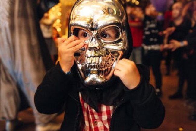 Юность: Хэллоуин для детей