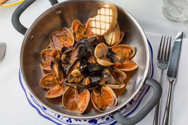Ресторан «Amo Cucinare», Санкт-Петербург: Соте из мидий и вонголе