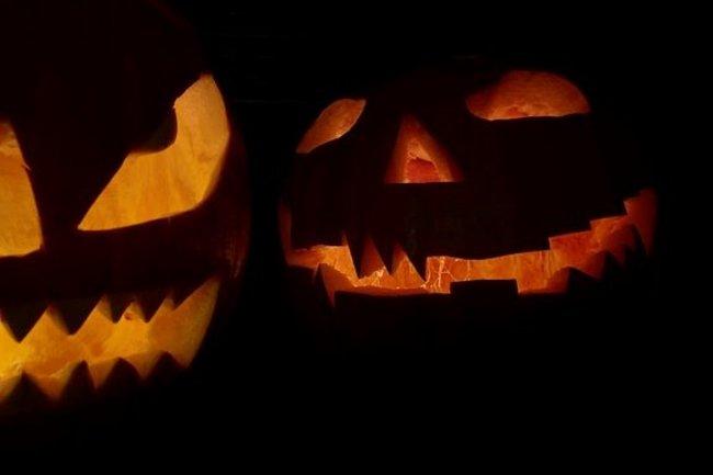 Villa Aston: Кино-Halloween