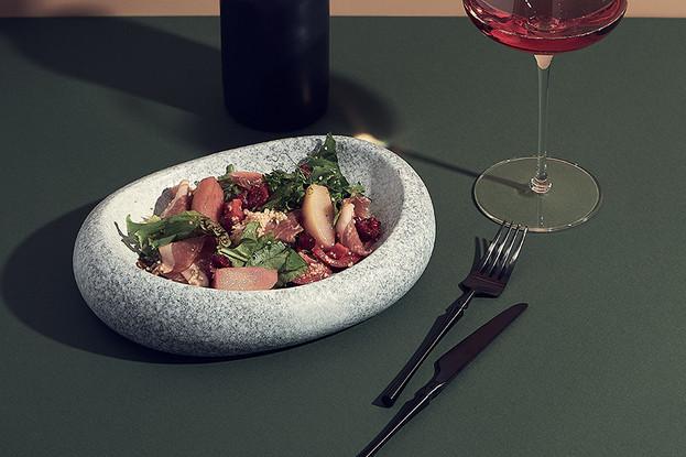 Ресторан «Nevesomost», Санкт-Петербург: Салат с тамбовским хамоном и пряной грушей